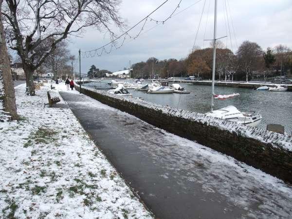 Snowy Kingsbridge Quay