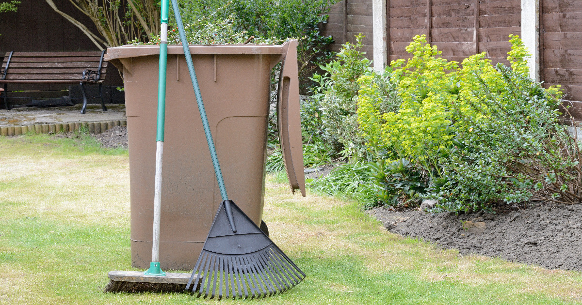 SHDC suspends garden waste collections for at least four weeks