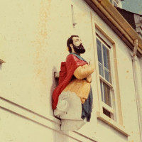 """Figurehead that """"heralded the start of the season"""" is back on display in Salcombe"""