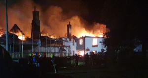 Fire destroys pub and houses