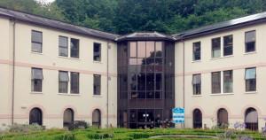 Covid-19 vaccination centre moves to Follaton House